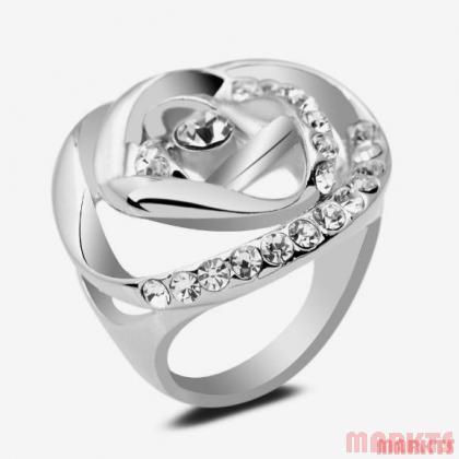 18K witgoud vergulde ring van roos met kristallen.