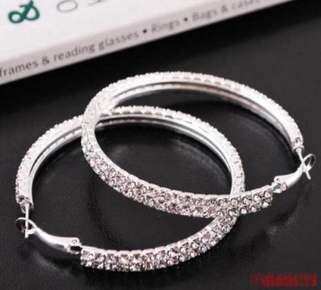 Zilveren creolen met double rijen kristallen