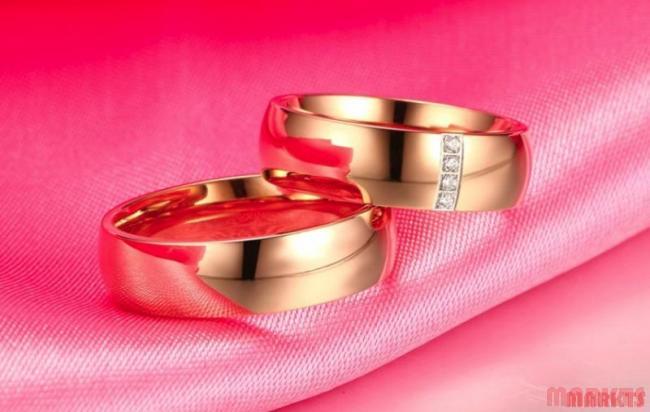 Klassieke 18K roze goud verguld ring met 4 zirkonen